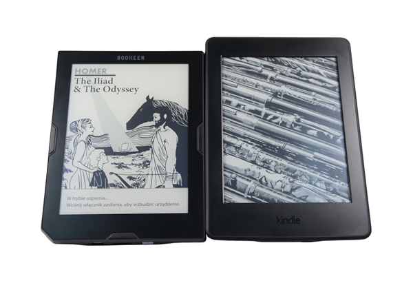Cybook_Muse_Fronlight_vs_Kindle_Paperwhite_3_1