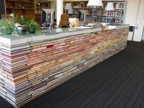 lada z książek, meble z książek, książki