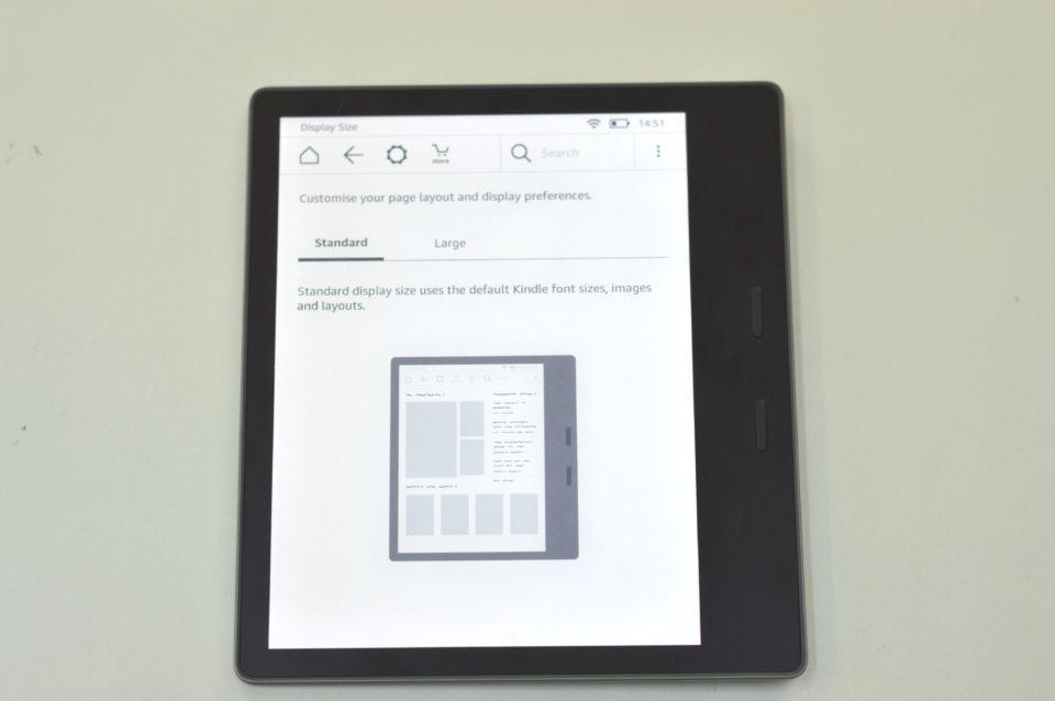 Powiększaniu ekranu w Kindle Oasis 2 standard display size.