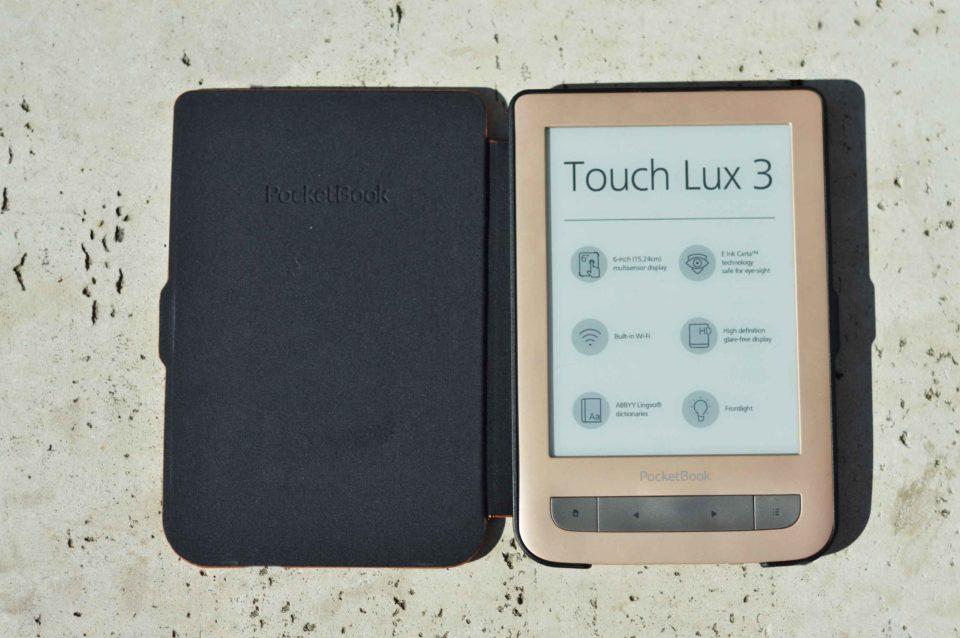 Etui shell w kolorze czerwonym do czytników PocketBook 615 Basic Lux, PocketBook Basic 3, PocketBook Basic Touch oraz PocketBook 626(2) Touch Lux 3 od środka