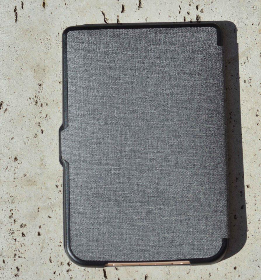 Szare etui Shell do czytników PocketBook od tyłu.