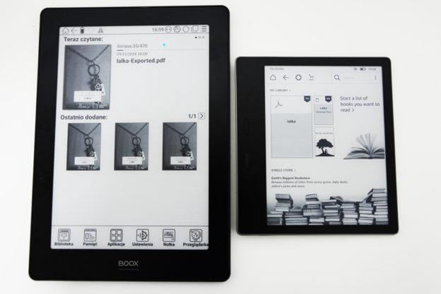 Kindle Oasis 2 i Onyx Boox Note S od przodu ekrany,