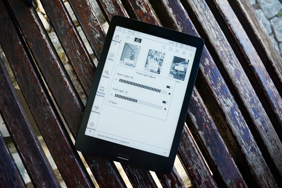 Onyx Boox Nova Pro ekran główny manipulowanie podświetleniem