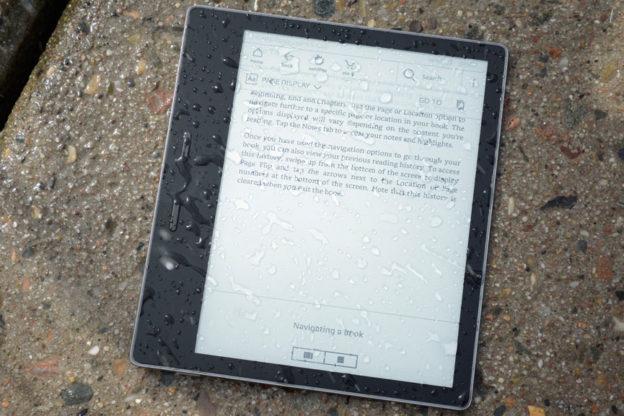 Czytnik książek elektronicznych odporny na wodę Kindle Oasis 3 Amazon do kupienia w Polsce.