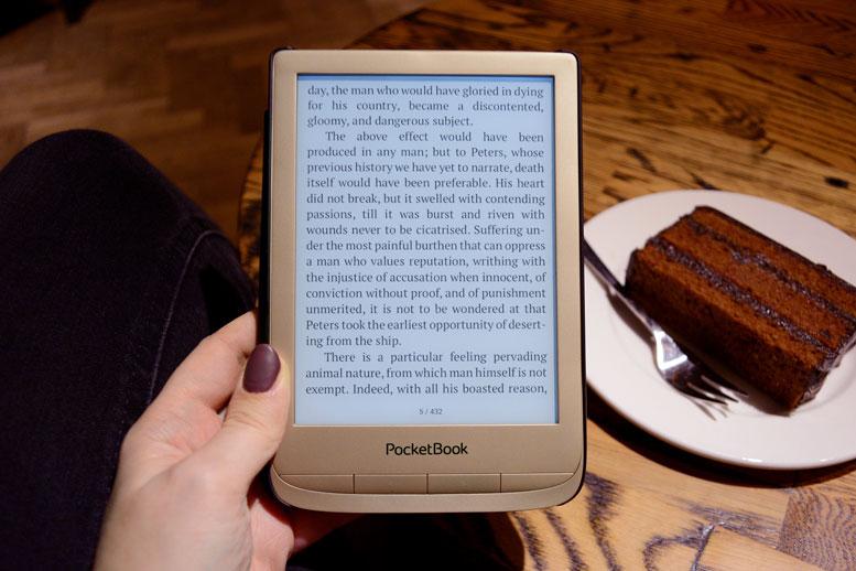 PocketBook Touch Lux 4 Gold tani  czytnik e-booków z ekranem 6-cali idealny na świąteczny prezent.