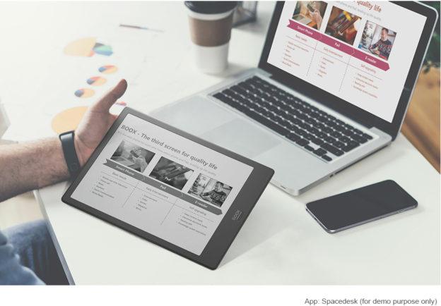 Czytnik Onyx Boox NOte 2 z 10,3-calowym ekranem umożliwia wygodne czytanie artykułów w sieci.