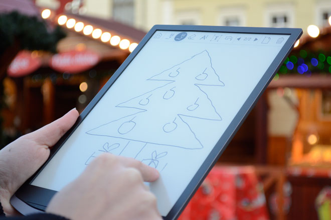 PocketBook InkPad X z 10,3-calowym ekranem daje możliwość tworzenia notatek.