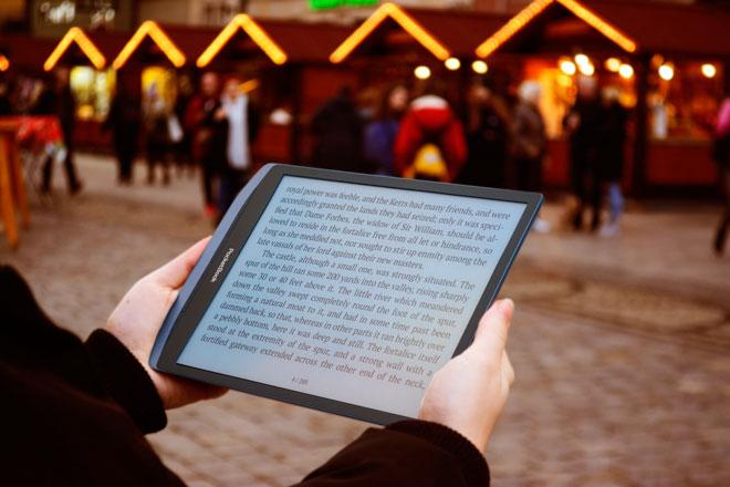 PocketBook InkPad X czytanie poziome.