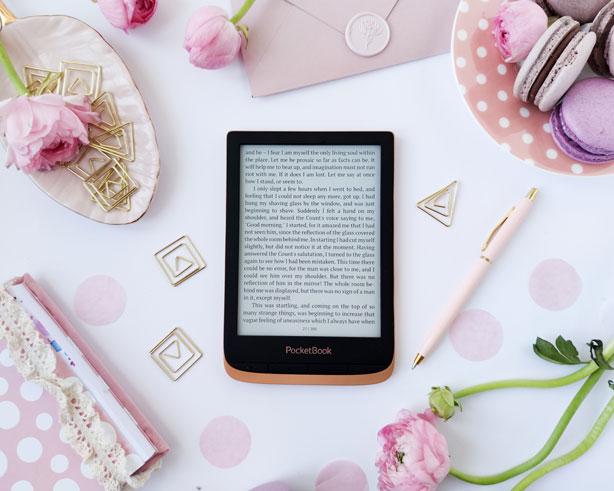 Czytnik e-booków idealny dla kobiety na dzień kobiet 8 marca.
