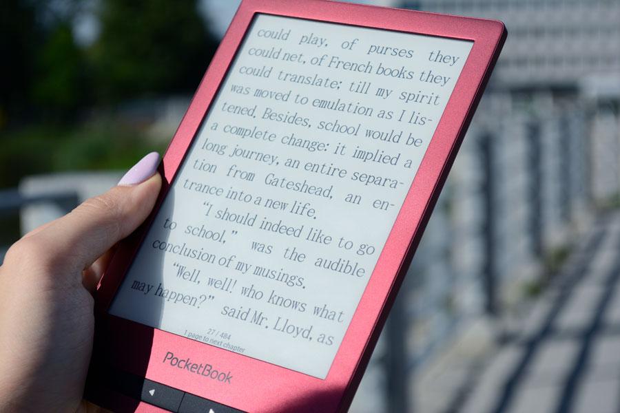 PocketBook Touch Lux 5 czytanie