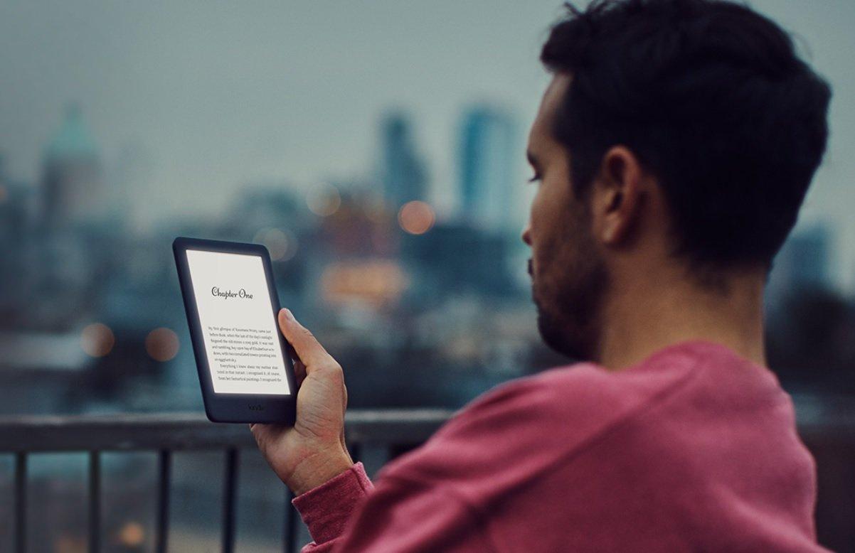czy czytniki Kindle mają podświetlenie ekranu?